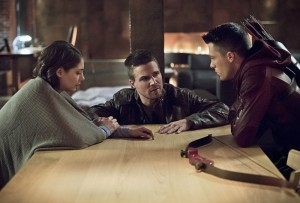 arrow-canaries-thea-roy-oliver