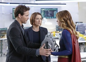 supergirl-how-does-she-do-it-maxwell-alex