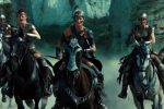 Wonder Woman Spoiler Review - Amazons reading horseback into battle