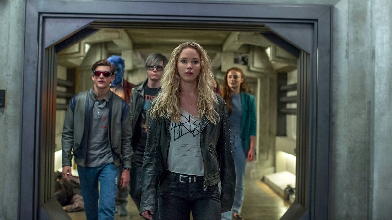 Jennifer Lawrence's Mystique Leads X-Men down hallway
