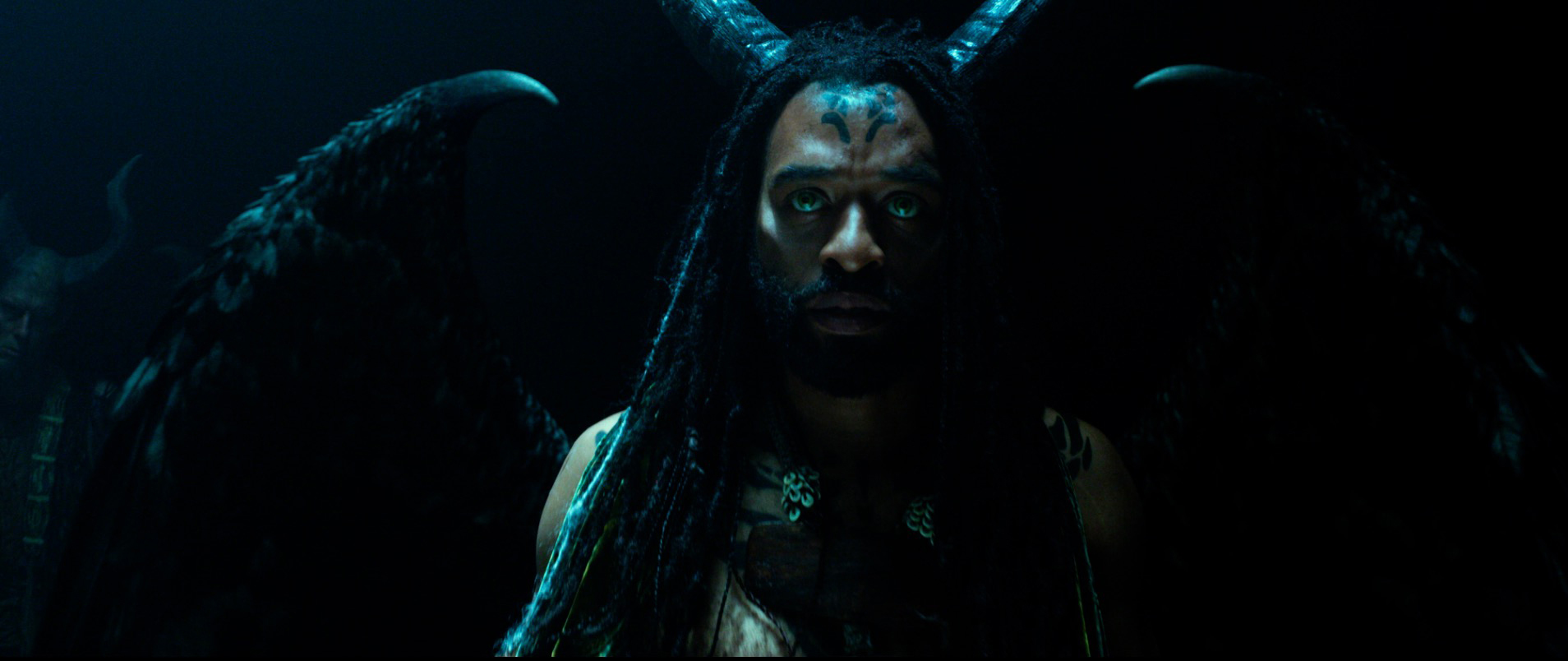 Maleficent Mistress Of Evil Movie Trailer Reviews Mtr