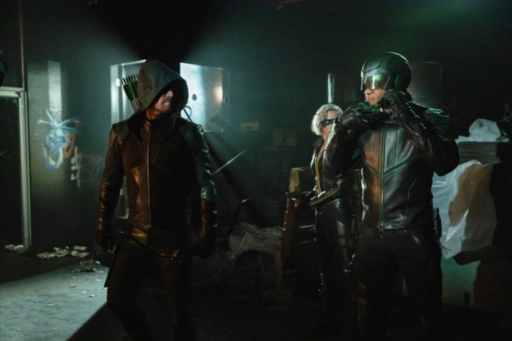Arrow S8E1: Oliver, Laurel and Diggle in costume preparing